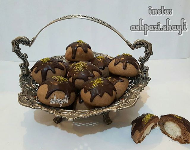 طرز تهیه شیرینی شکلاتی با مغز نارگیل